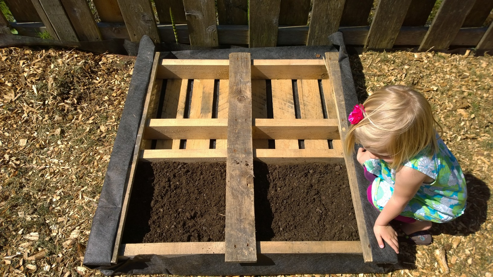 How to build Wooden Garden Bed For FREE! | Meaningful Mommy